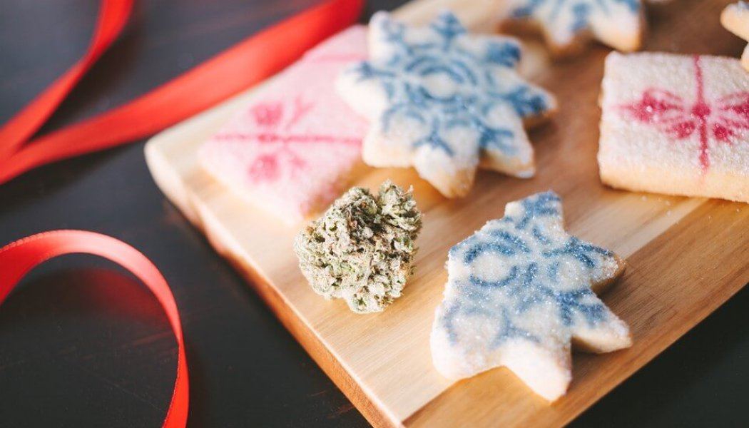 Edible Christmas Cookie Recipes To Get Santa Stoned