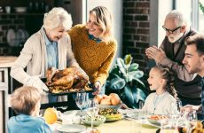 How Seniors Can Help with Thanksgiving Dinner